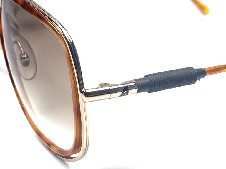 New Vintage Alitalia Oversized Tortoise & Gold 1990  Italy Sunglasses In New Condition For Sale In Amsterdam, Noord Holland