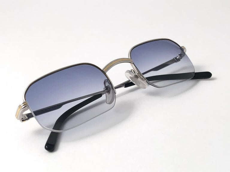 New Vintage Cartier Broadway Platine 49 22 Half Frame France 1990 Sunglasses In New Condition For Sale In Amsterdam, Noord Holland