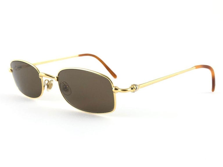 New Vintage Cartier Sasdir 51MM Gold Plated Brown Lens France 1990 Sunglasses In New Condition For Sale In Amsterdam, Noord Holland