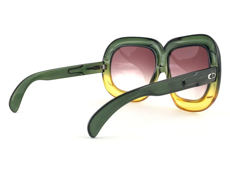 New Vintage Christian Dior D10 Huge Two Tone Amber & Green Optyl Sunglasses In New Condition For Sale In Amsterdam, Noord Holland