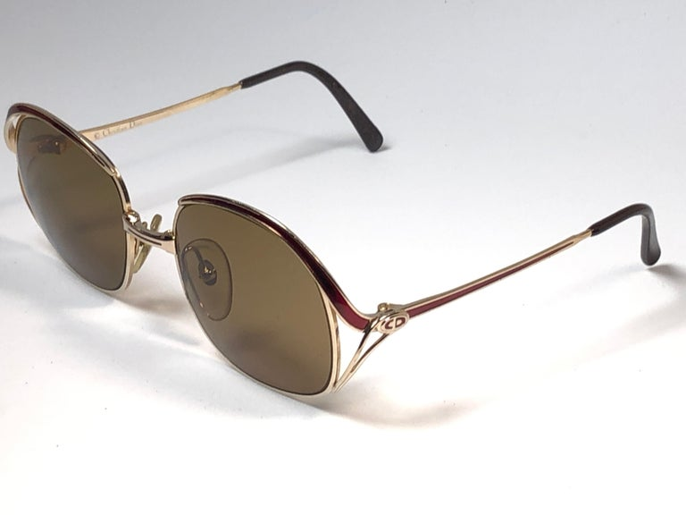 New Vintage Christian Dior Enamel Gold & Burgundy Sunglasses Austria In Excellent Condition For Sale In Amsterdam, Noord Holland