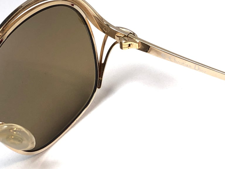 New Vintage Christian Dior Enamel Gold & Burgundy Sunglasses Austria For Sale 2