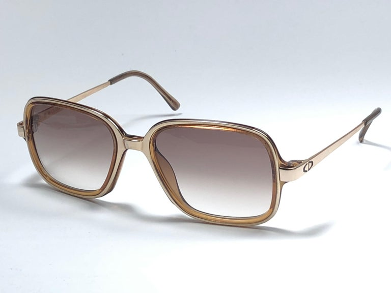 New Vintage Christian Dior Monsieur 2057 Gold Amber Sunglasses 1970's Austria In New Condition For Sale In Amsterdam, Noord Holland