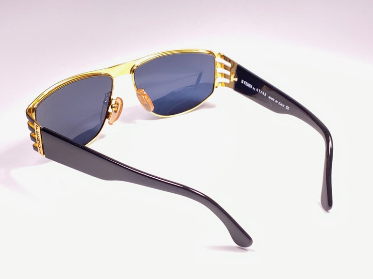 New Vintage Fendi FS242 Mask Black & Gold Large 1990 Sunglasses Made in Italy For Sale 1