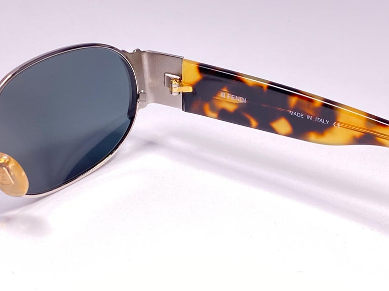 New Vintage Fendi FS253 Tortoise & Silver Large 1990 Sunglasses Made in Italy In New Condition For Sale In Amsterdam, Noord Holland
