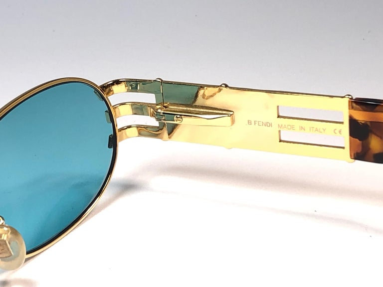 New Vintage Fendi  Gold SL 7028 Tortoise Mosaic 1990 Sunglasses Made in Italy In New Condition For Sale In Amsterdam, Noord Holland
