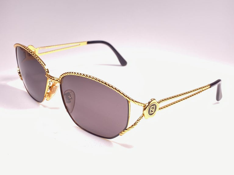Women's or Men's New Vintage Fendi SL7023 Gold & Black Large  1990 Sunglasses Made in Italy For Sale