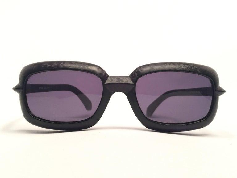 Women's or Men's New Vintage Fendi SL7551 Square Black Matte 1990 Sunglasses For Sale