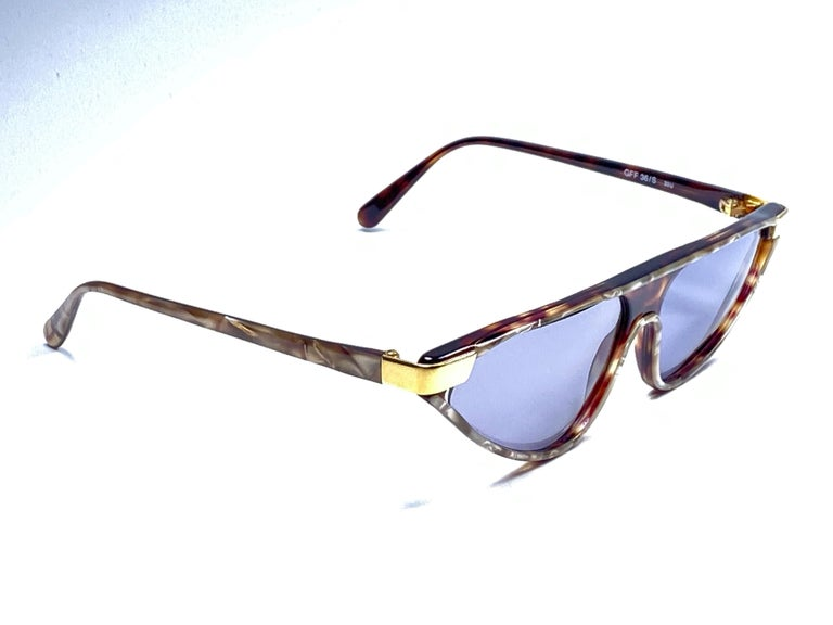 Purple New Vintage Gianfranco Ferré GFF 36S Gold / Light Cat Eye 1990 Italy Sunglasses For Sale