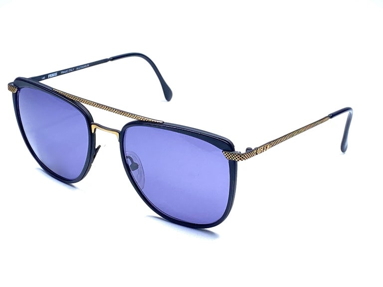 New Vintage Gianfranco Ferré GFF 73 Gold / Black 1990  Italy Sunglasses In New Condition For Sale In Amsterdam, Noord Holland