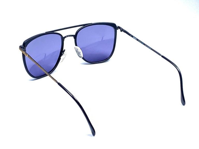 New Vintage Gianfranco Ferré GFF 73 Gold / Black 1990  Italy Sunglasses For Sale 4