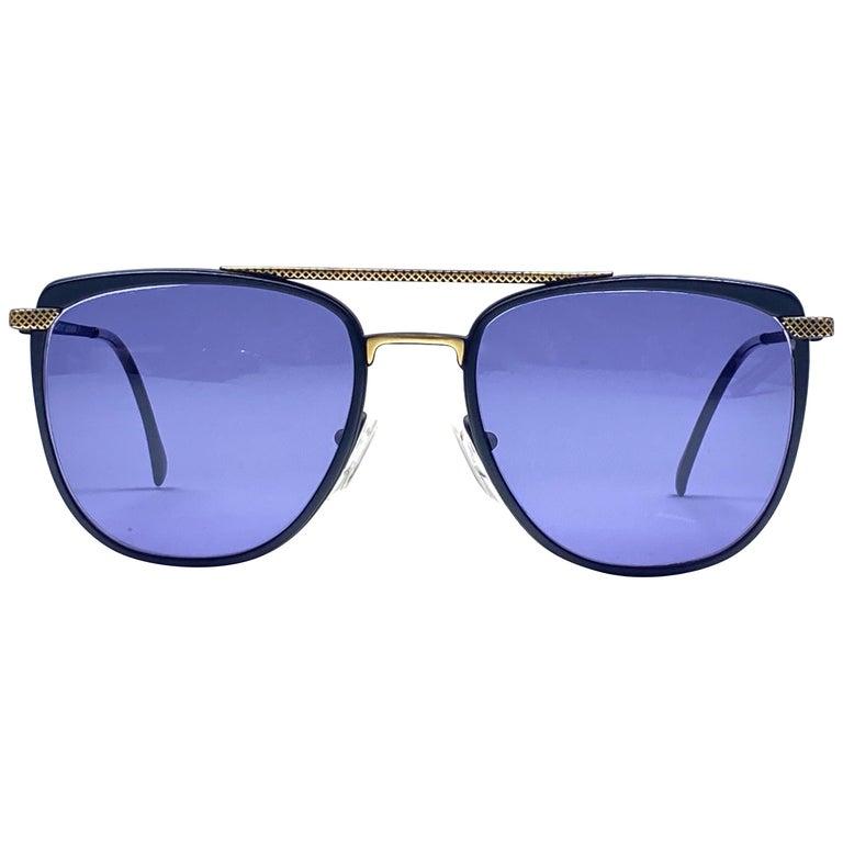 New Vintage Gianfranco Ferré GFF 73 Gold / Black 1990  Italy Sunglasses For Sale