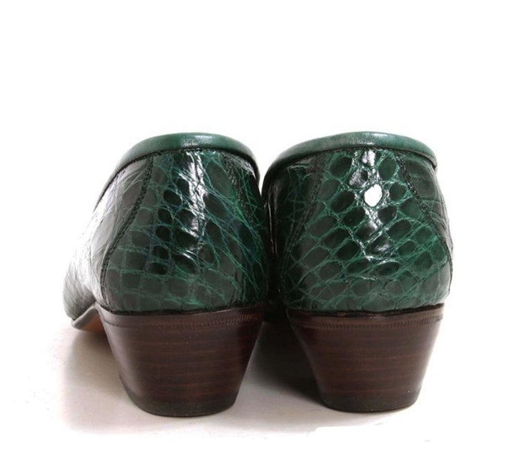 New Vintage Gucci Emerald Green Crocodile Women's Loafers 36.5 B - US 6.5 For Sale 1