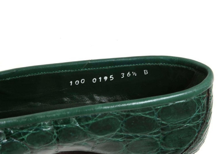 New Vintage Gucci Emerald Green Crocodile Women's Loafers 36.5 B - US 6.5 For Sale 3