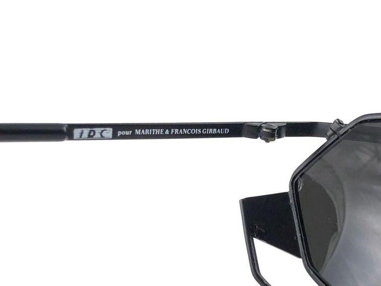 Women's or Men's New Vintage IDC G1 Marithe Francois Girbaud Folding Black mate Sunglasses France For Sale