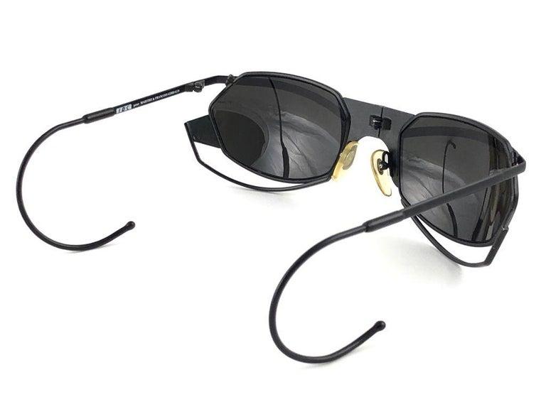 New Vintage IDC G1 Marithe Francois Girbaud Folding Black mate Sunglasses France For Sale 2