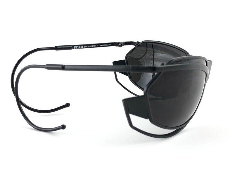 New Vintage IDC G1 Marithe Francois Girbaud Folding Black mate Sunglasses France For Sale 4