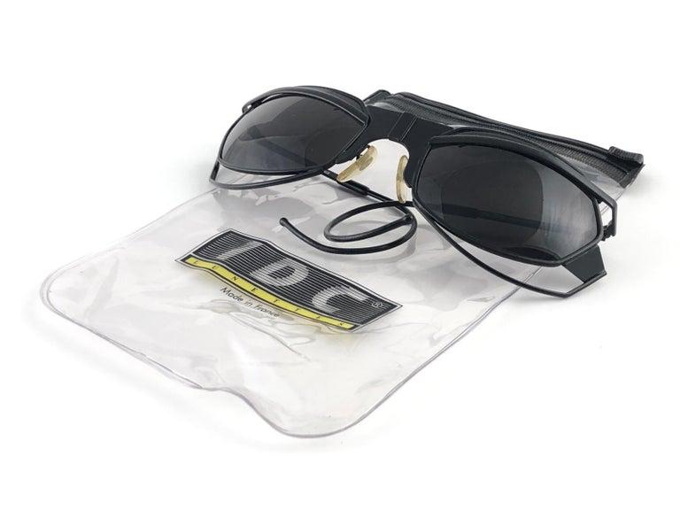 New Vintage IDC G1 Marithe Francois Girbaud Folding Black mate Sunglasses France For Sale 5