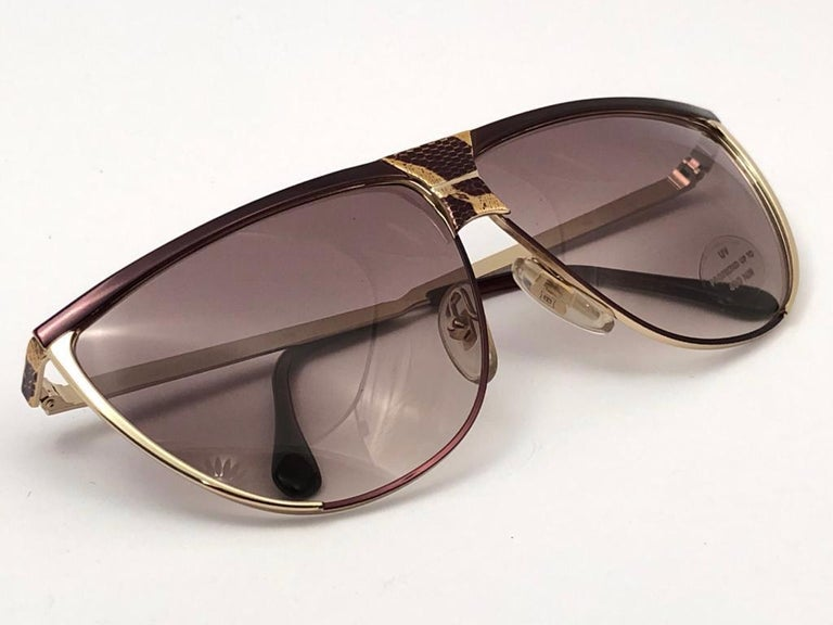 Women's New Vintage Laura Biagiotti Oversized Gold Mask T89  1980's Sunglasses Italy For Sale