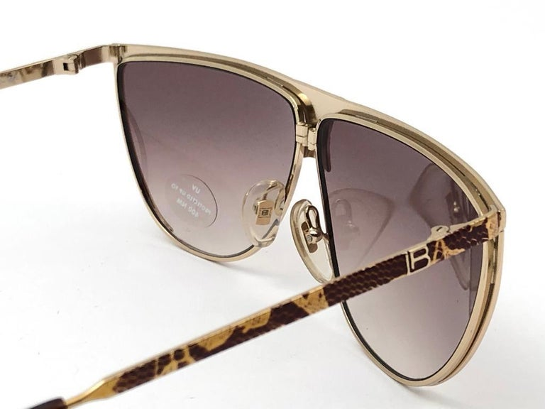 New Vintage Laura Biagiotti Oversized Gold Mask T89  1980's Sunglasses Italy For Sale 2