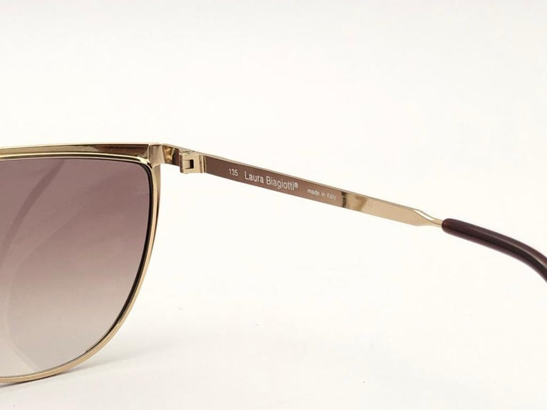 New Vintage Laura Biagiotti Oversized Gold Mask T89  1980's Sunglasses Italy For Sale 3