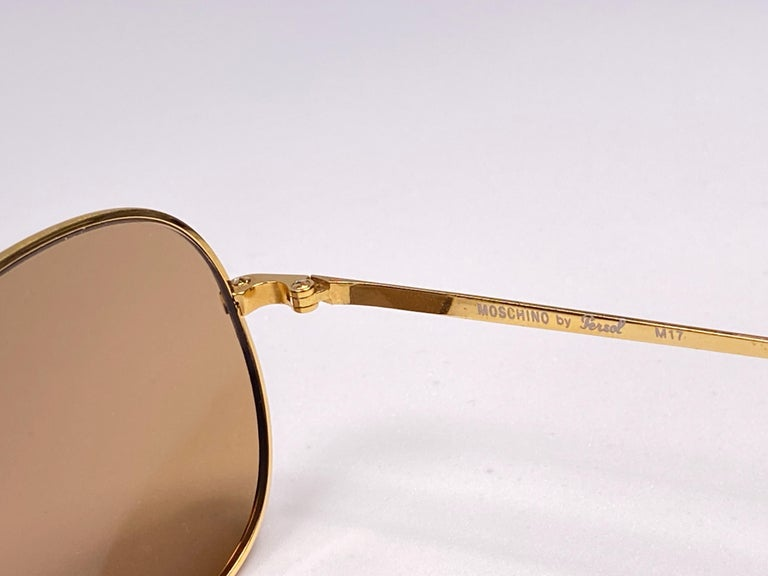 New Vintage Moschino By Persol M17 Gold Mirror Sunglasses Made in Italy For Sale 1