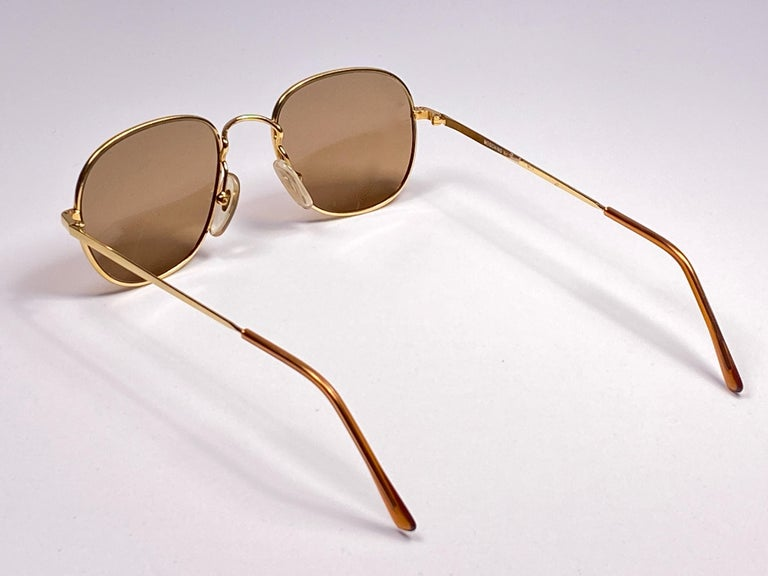 New Vintage Moschino By Persol M17 Gold Mirror Sunglasses Made in Italy For Sale 2