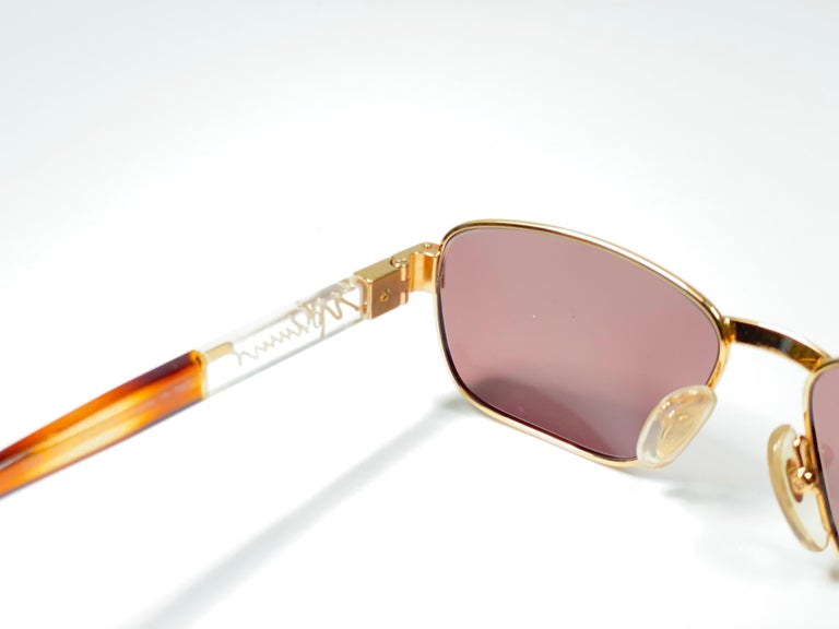 New Vintage Moschino MM33 Medium Gold 1990 Sunglasses Made in Italy In New Condition For Sale In Amsterdam, Noord Holland
