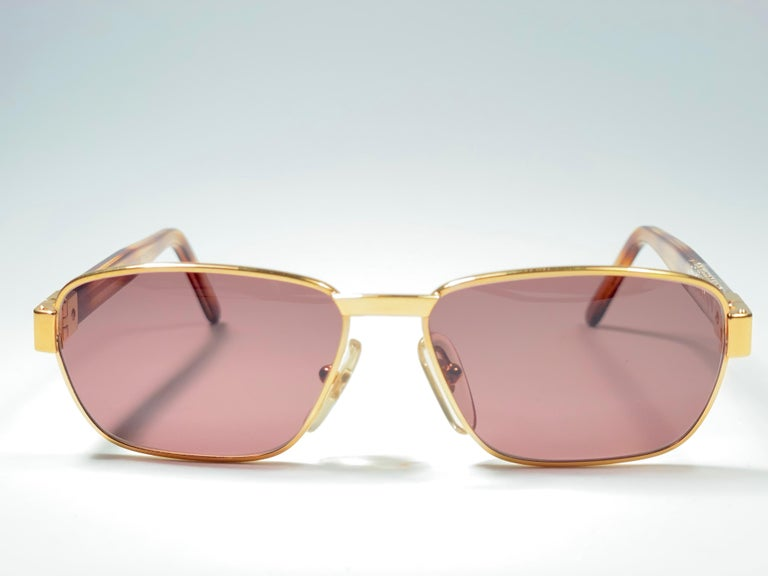 Women's or Men's New Vintage Moschino MM33 Medium Gold 1990 Sunglasses Made in Italy For Sale