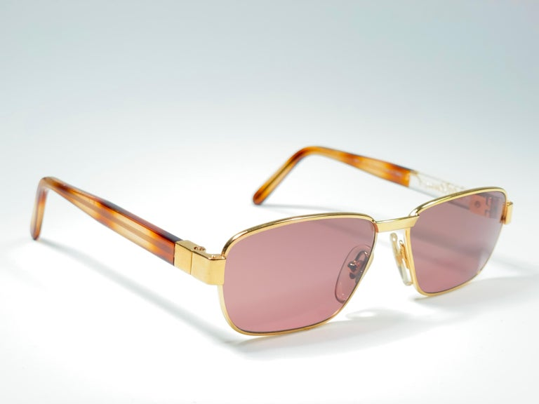 New Vintage Moschino MM33 Medium Gold 1990 Sunglasses Made in Italy For Sale 1