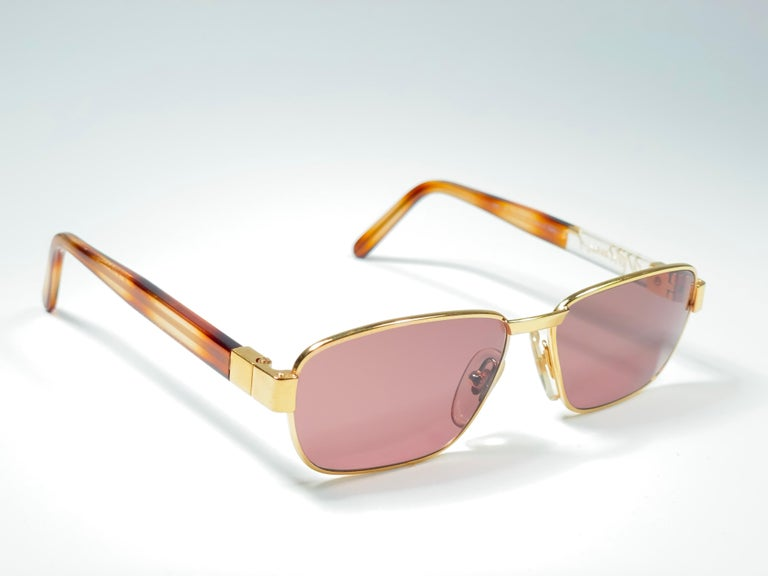 New Vintage Moschino MM33 Medium Gold 1990 Sunglasses Made in Italy For Sale 2