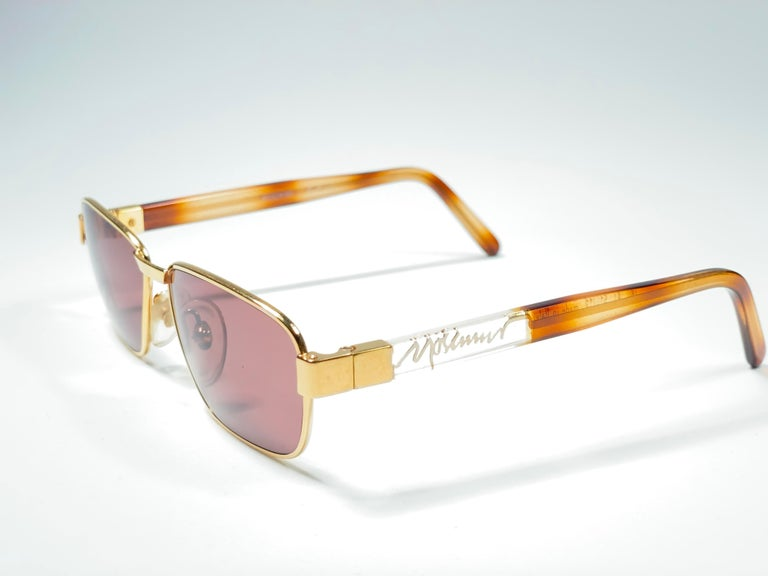 New Vintage Moschino MM33 Medium Gold 1990 Sunglasses Made in Italy For Sale 3