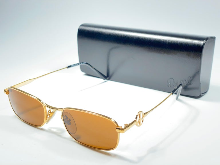 New Vintage Moschino small frame with