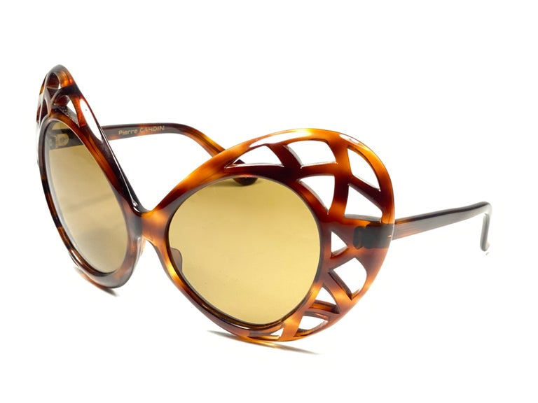 New Vintage Pierre Cardin Oversized Avantgarde Collector Item 1960's Sunglasses In New Condition For Sale In Amsterdam, Noord Holland