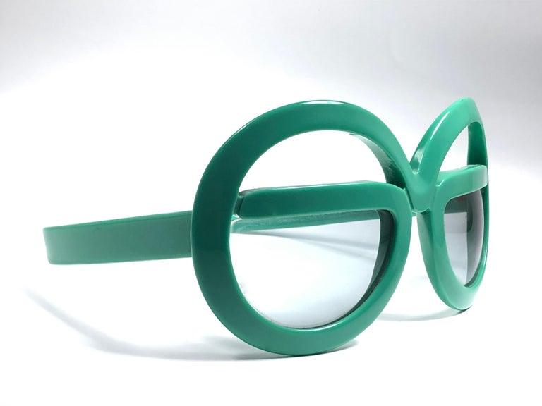 New Vintage Rare Silhouette Futura 562 Green Collector Item 1970 Sunglasses  For Sale 6