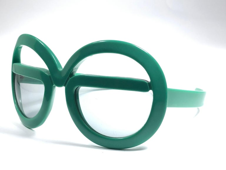 New Vintage Rare Silhouette Futura 562 Green Collector Item 1970 Sunglasses  For Sale 3