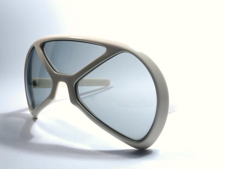New Vintage Rare Silhouette Futura 570 White Collector Item 1970 Sunglasses  For Sale 1