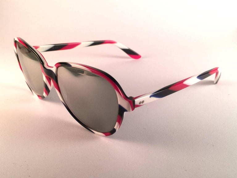 Women's or Men's New Vintage Ray Ban B&L Shelby White Red & Blue Mirror Lenses Sunglasses USA For Sale
