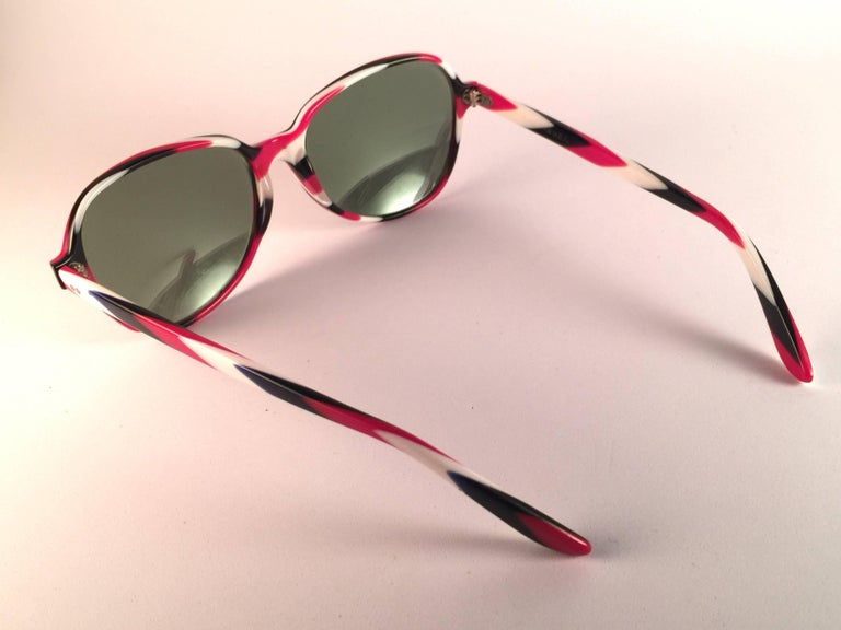 New Vintage Ray Ban B&L Shelby White Red & Blue Mirror Lenses Sunglasses USA For Sale 1