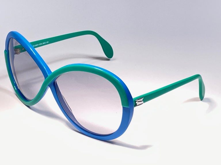 Gray New Vintage Silhouette 3024 Green & Blue Infinity Funk Germany 1980 Sunglasses  For Sale