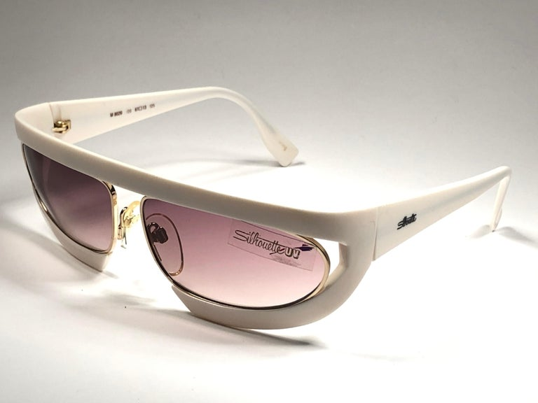 New Vintage Silhouette Mask M8020 White 1980's Sunglasses In New Condition For Sale In Amsterdam, Noord Holland