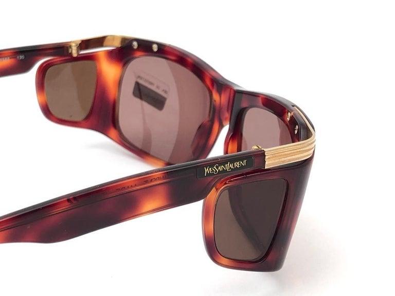 New Vintage Yves Saint Laurent YSL 6517 Tortoise and Gold France Sunglasses For Sale 4