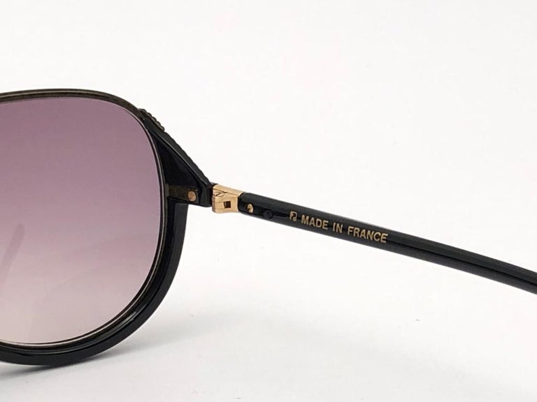 New Vintage Yves Saint Laurent YSL Alma Black Oversized  1980 France Sunglasses For Sale 5