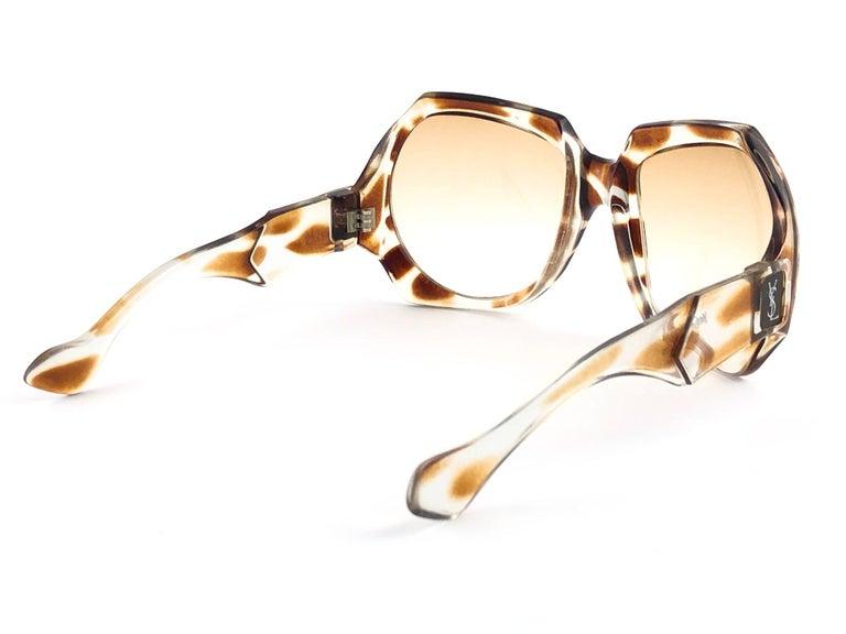 White New Vintage Yves Saint Laurent YSL Giraffe 1980 France Sunglasses For Sale