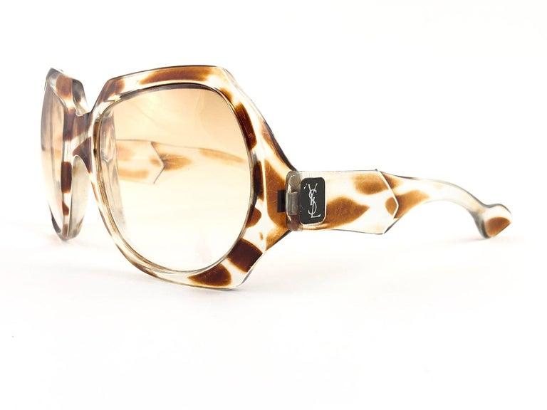 Women's or Men's New Vintage Yves Saint Laurent YSL Giraffe 1980 France Sunglasses For Sale