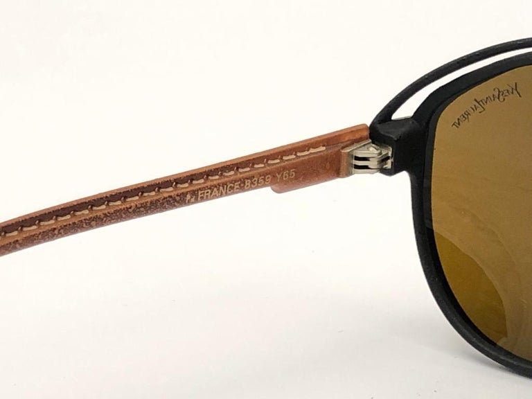 New Vintage Yves Saint Laurent YSL Oversized Leather 1980 France Sunglasses In New Condition For Sale In Amsterdam, Noord Holland