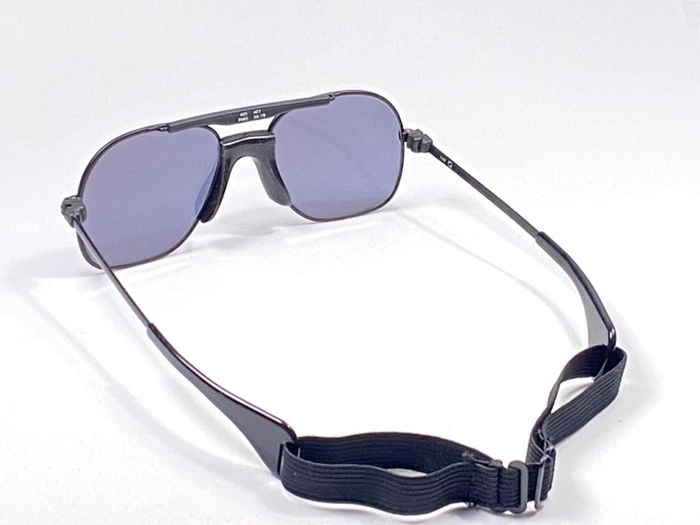 Men's New Vintage Zeiss Black Matte Frame Flat Lens Made West Germany 1970 Sunglasses For Sale