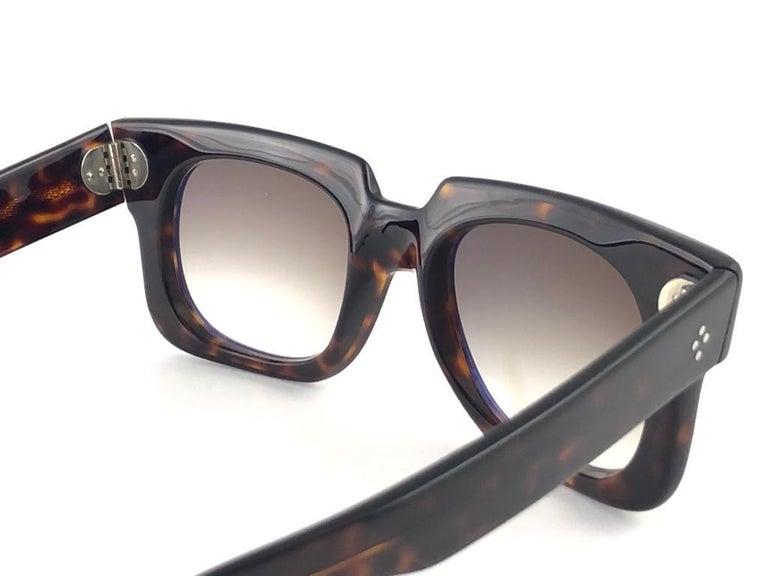 New Vintage Zollitsch 302 Dark Tortoise Robust Frame Gradient 1970 Sunglasses For Sale 5