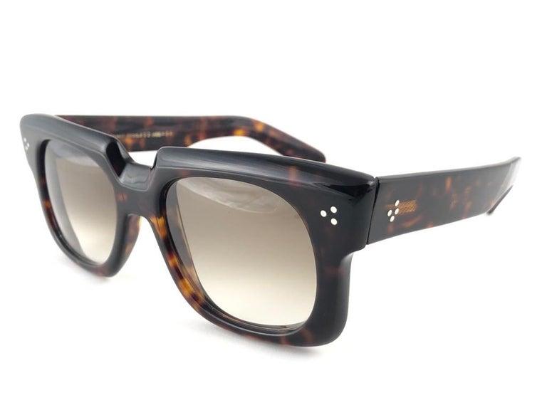 New Vintage Zollitsch 302 Dark Tortoise Robust Frame Gradient 1970 Sunglasses In New Condition For Sale In Amsterdam, Noord Holland