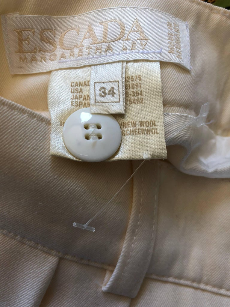New w/ Tags Vintage Escada 1980s Ivory Wool Vintage Wide Leg Culottes 80s Shorts For Sale 8